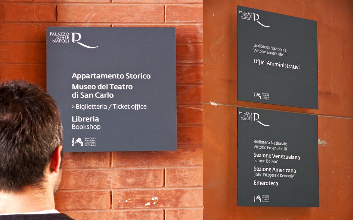 Palazzo Reale Napoli segnaletica